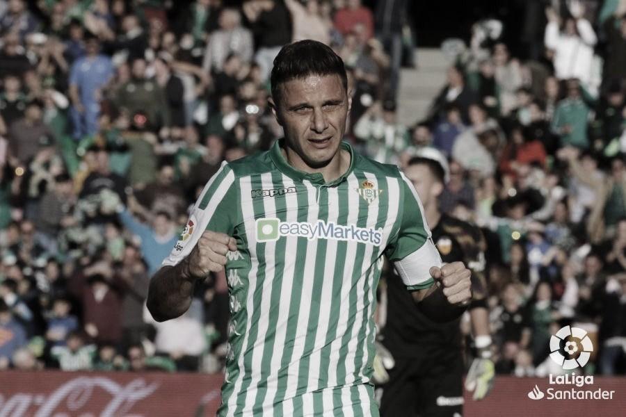 Joaquín Sánchez, un centenario de cara al gol