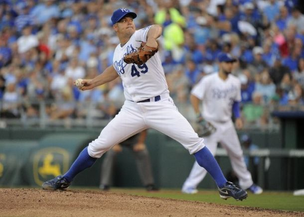 Royals trade Joe Blanton to Pirates for cash