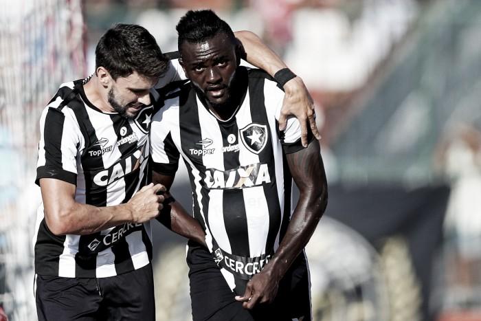 No reencontro com Loco Abreu, Botafogo vence Bangu em jogo difícil