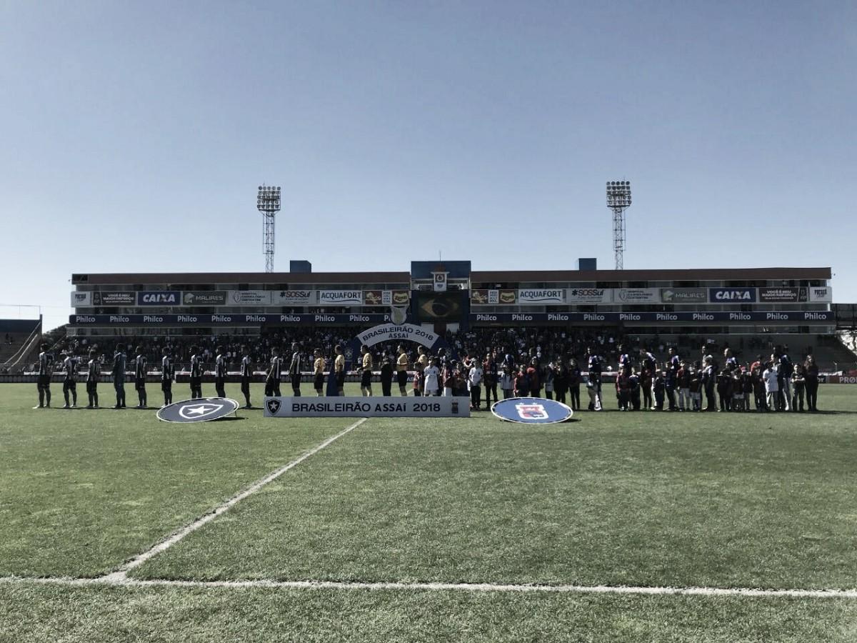 Com gol no fim, Paraná e Botafogo empatam em jogo marcado por confusão