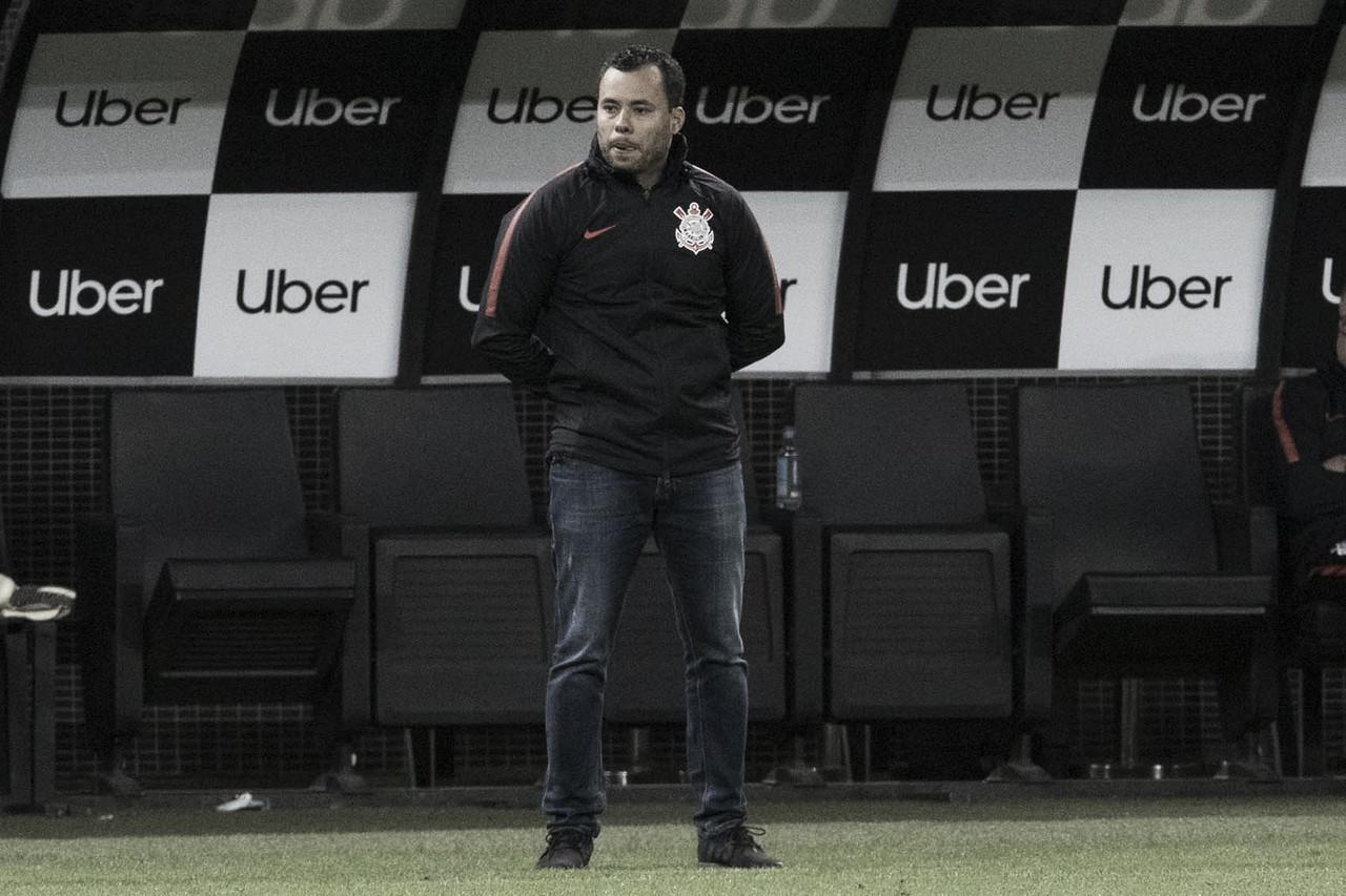 """Jair lamenta derrota para o Fla, mas mira reação do Corinthians: ''Hora de virar a chave"""""""