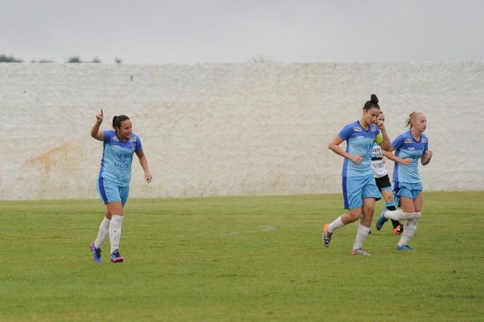 Vitória-PE vence Grêmio e se mantém na série A1 do Brasileirão Feminino
