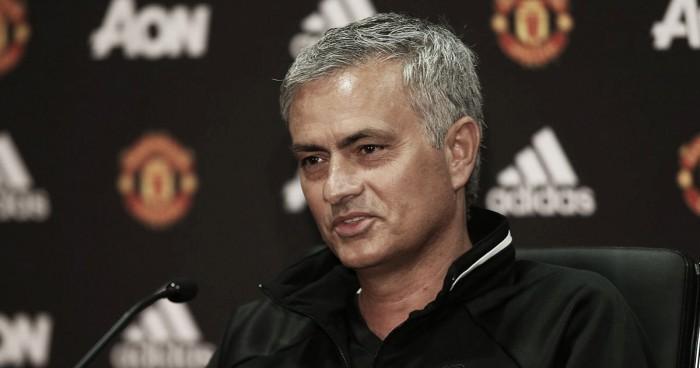 Mourinho quebra silêncio e se defende das críticas em torno de Schweinsteiger