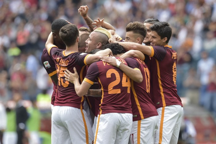 L'AS Roma brille et met la pression sur Naples