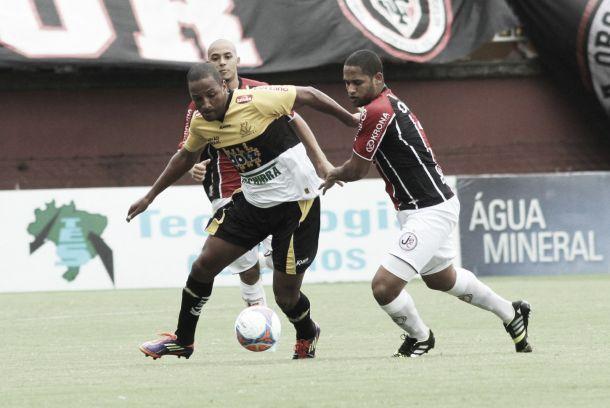 Com erros de arbitragem, Joinville e Criciúma se igualam na primeira rodada