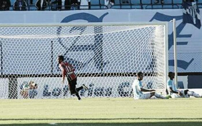 Joinville bate Avaí no clássico catarinense fora de casa e se afasta do Z-4 da Série B