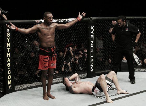 Jon Jones dispuesto a subir de categoría en la UFC