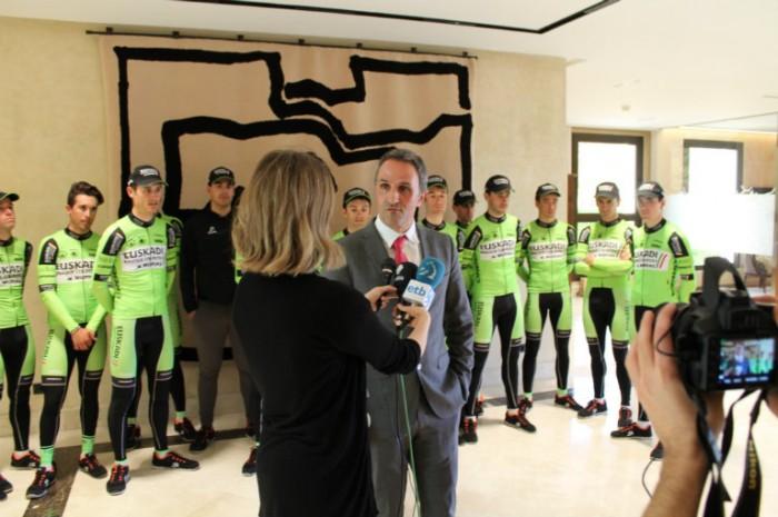 "Jon Odriozola: ""Estamos evitando que se muera la cantera del ciclismo vasco """