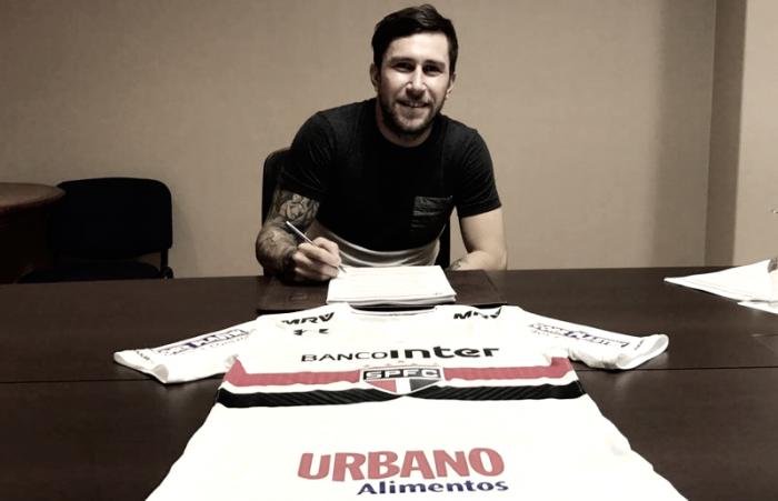 Jonatan Gomez confirmou a transferência para o São Paulo