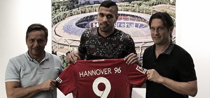 Hannover acerta com atacante brasileiro Jonathas, ex-Rubin Kazan