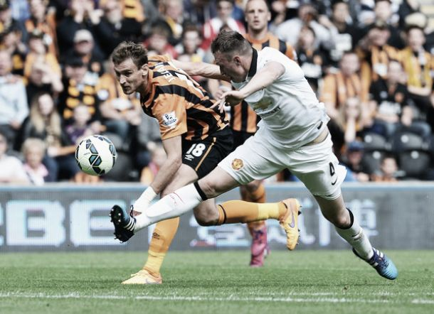 Jones set for new United contract