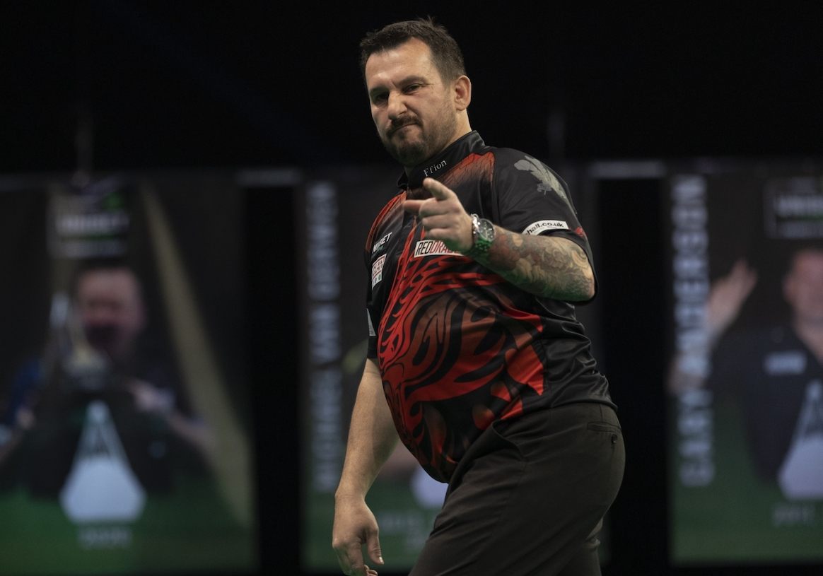 Darts: Clayton Draws with Wright in Thriller on Premier League Night One