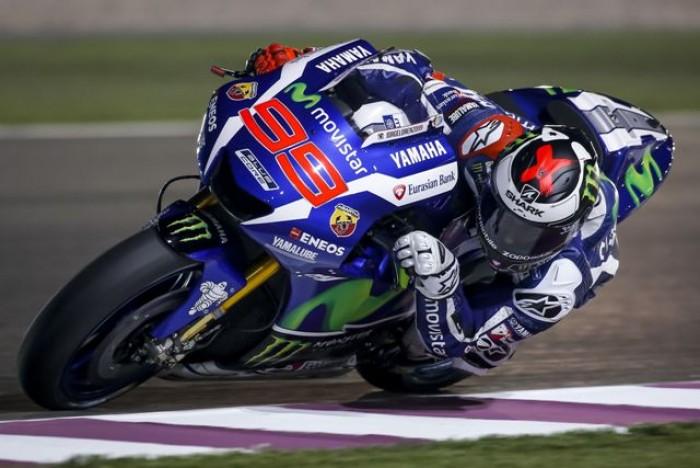 Moto Gp, Prove in Qatar: Valentino Rossi cade