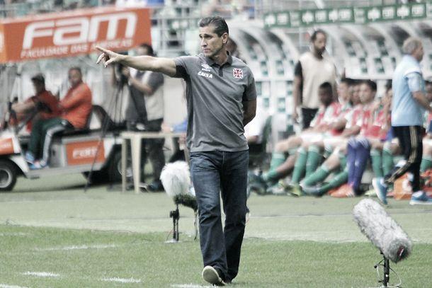 """Jorginho exalta postura do Vasco contra o Palmeiras: """"Conseguimos segurar o ímpeto deles"""""""