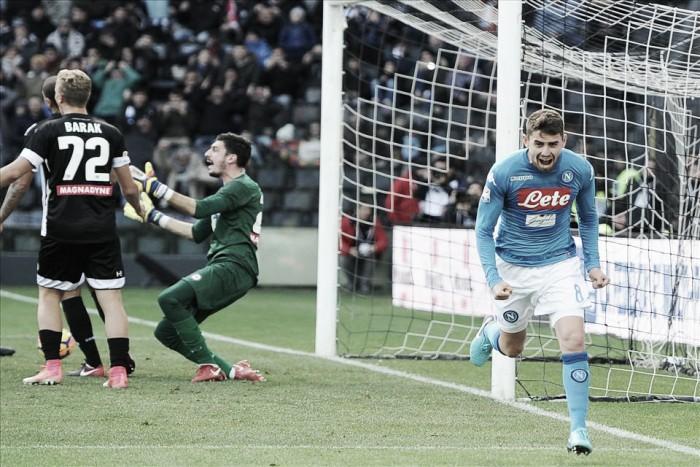 Com gol do ítalo-brasileiro Jorginho, Napoli supera Udinese e retoma ponta da Serie A
