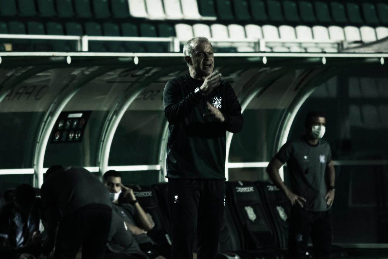 """Jorginho admite """"mau jogo"""" após empate do Figueirense com Botafogo-SP"""