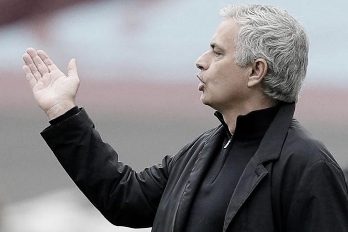 """West Ham derrota Tottenham, entra no G-4 e Mourinho admite: """"Tristeza e frustração"""""""