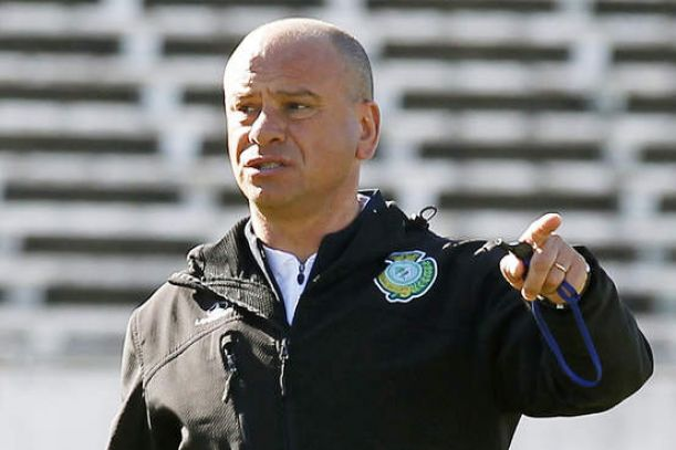 ''Olhos nos olhos'', diz treinador do Vitória de Setúbal sobre postura do time frente ao Guimarães