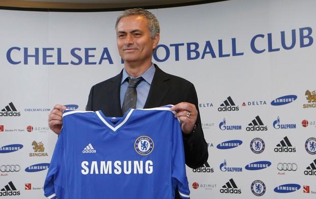 Mourinho se diz o 'Happy One' em retorno ao Chelsea