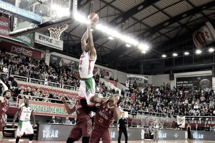 FIBA Champions League, Reyer asfaltata dal Pinar (99-59)