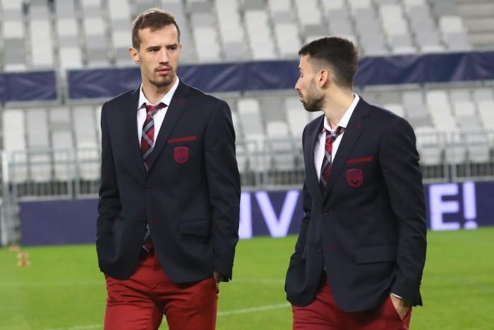 VukasinJovanovic (à gauche) et son gars sûr Milan Gajic