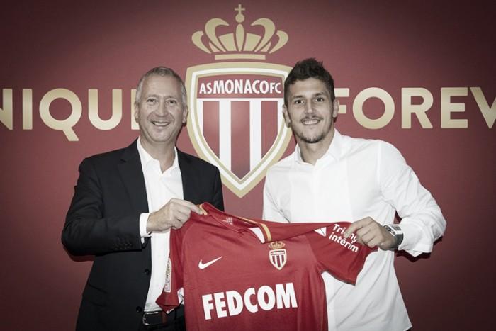 Com a camisa 10, Jovetic é anunciado no Monaco; Mbappé se aproxima de saída