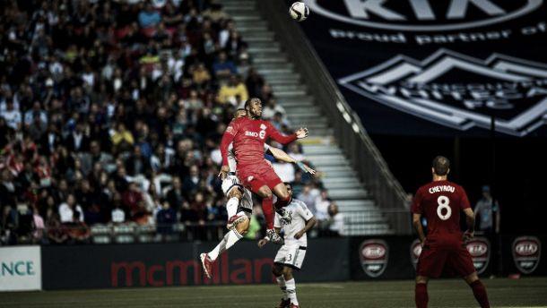 Major League Soccer: bis de Altidore empurra Toronto adiante