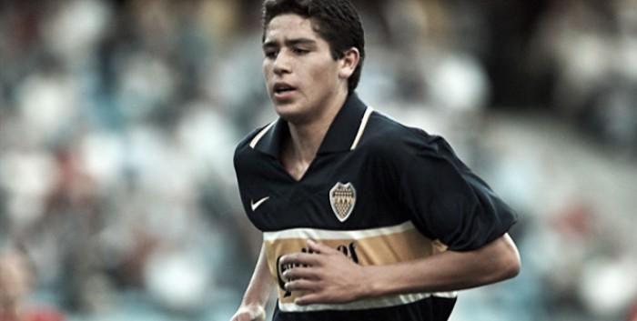 A dos décadas del primer gol de Riquelme