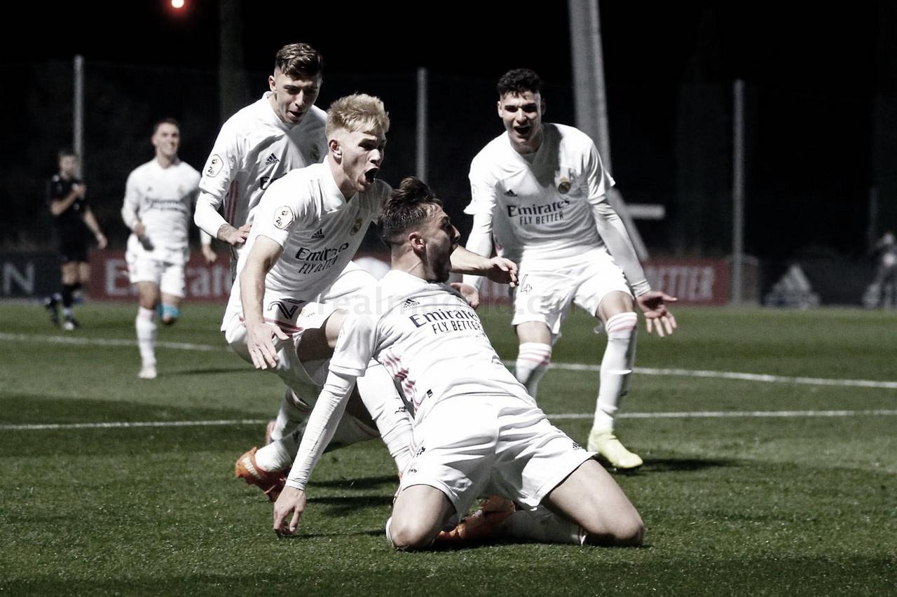 Mario Gila celebra su gol, escoltado por Sergio Santos, César Gelabert y Alberto Retuerta ('Retu') | Fuente: www.realmadrid.com