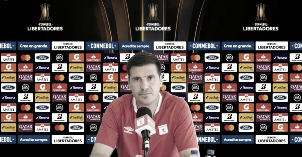 """Juan Cruz Real: """"Soy agradecido por los jugadores que tengo, por su capacidad de aprendizaje"""""""