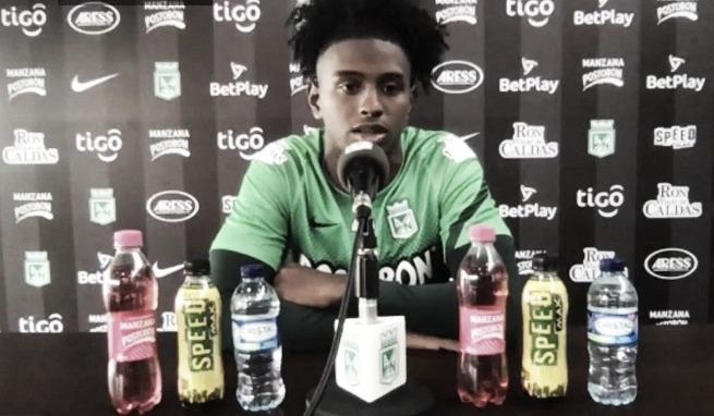 """Juan David Cabal: """"A mí no se me complica jugar como lateral izquierdo y defensa central"""""""