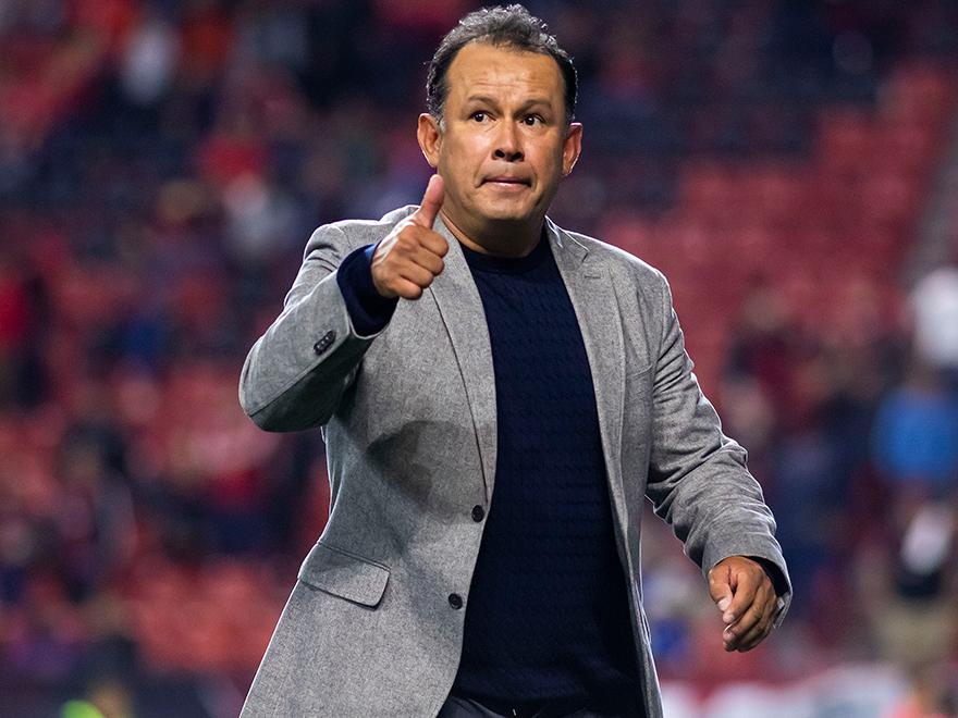 """Juan Reynoso: """"No tenemos nada que demostrar, Cruz Azul seguirá siendo un club grande"""""""