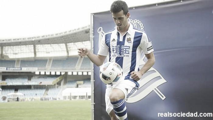 Atacante Juanmi é apresentado como reforço da Real Sociedad por cinco anos