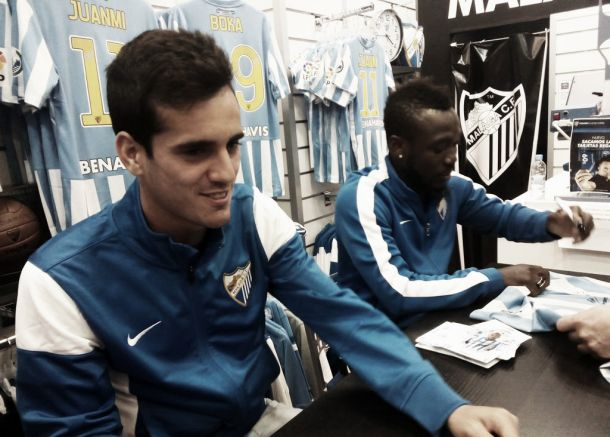 Juanmi y Boka en la tienda de Torre del Mar - Vavel.com