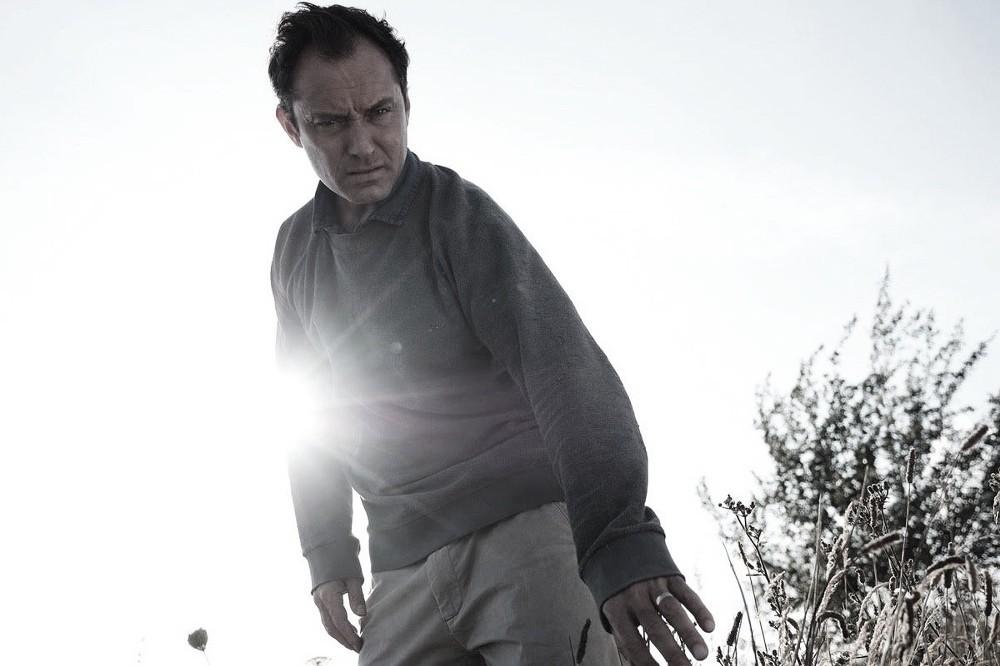 HBO anuncia nueva fecha de estreno de 'El tercer día' en su tráiler