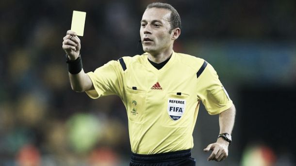Cüneyt Çakir será o árbitro da partida entre Holanda e Argentina