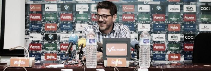 """Katsikaris: """"Tenemos que jugar fuertes, hay que ganar como sea"""""""