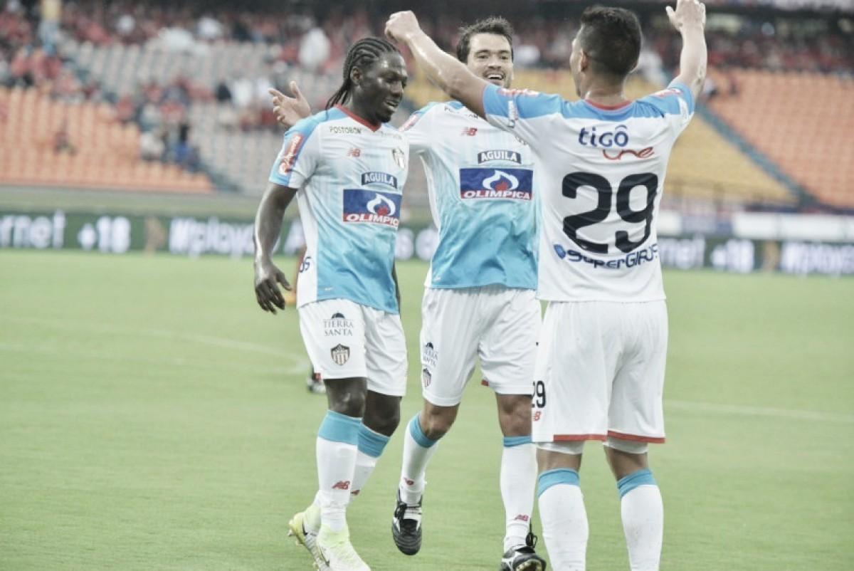 Junior toma respiro en la Liga: ganó 2-1 en su visita al Medellín