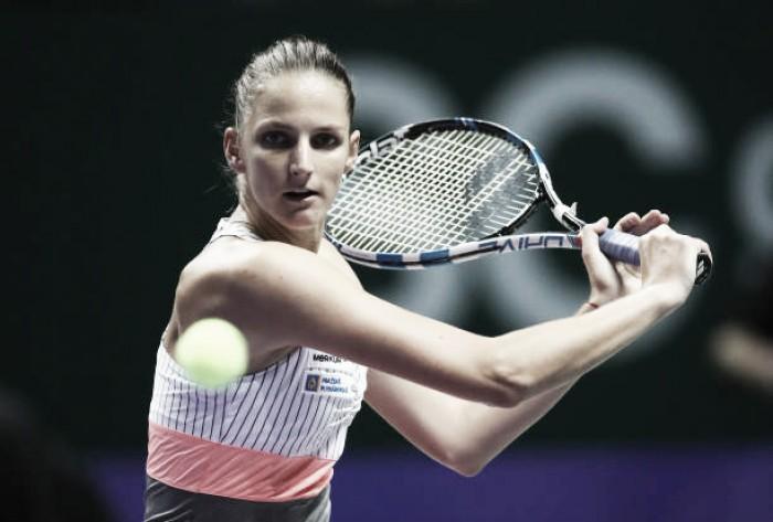 WTA Finals: Karolina Pliskova eases past Garbine Muguruza, seals semifinal berth