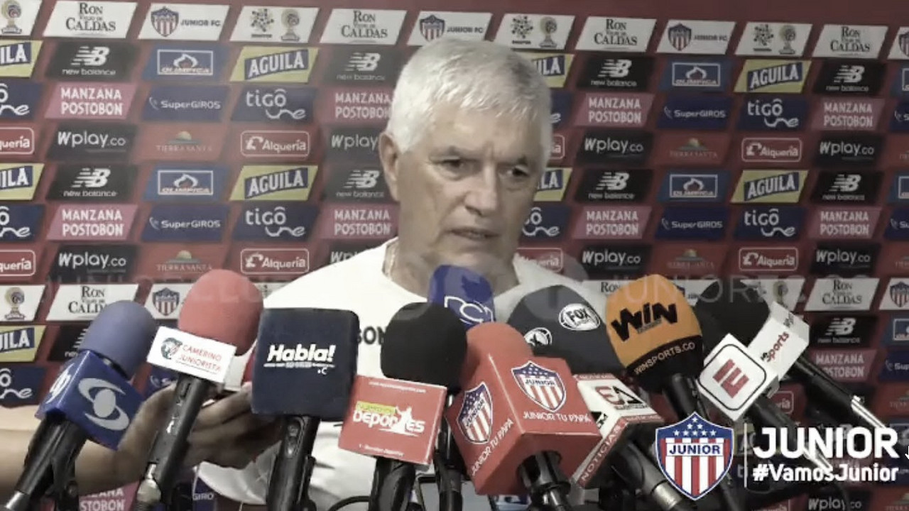 """Julio Comesaña: """"Tenemos que hacernos sólidos y a partir de ahí fabricar la victoria"""""""