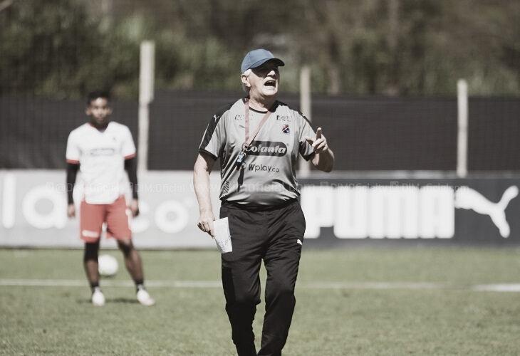 """Julio Comesaña: """"Yo soy optimista porque hemos mejorado, seguiremos adelante"""""""