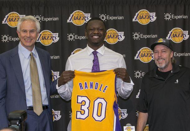 Los Angeles Lakers, in attesa di un allenatore via alla ricostruzione: c'è luce in fondo al tunnel