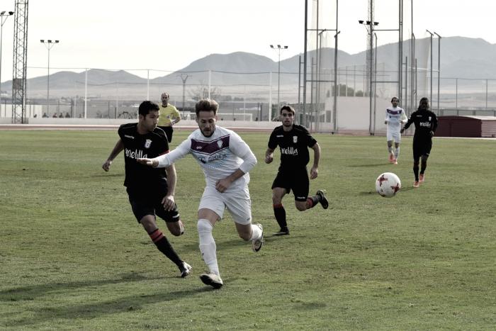 Paso atrás del FC Jumilla frente a la UD Melilla