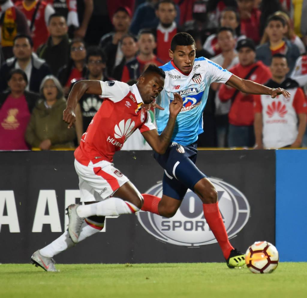 Junior bate Santa Fé fora de casa e abre excelente vantagem na semi da Sul-Americana