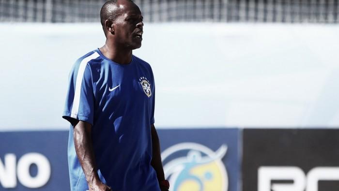 """Atual coordenador técnico, Júnior Negão elogia nova safra da Seleção: """"Time renovado e bom"""""""