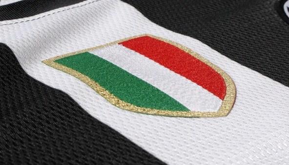 Zero stelle e tanto stile: ecco le nuove maglie della Juventus