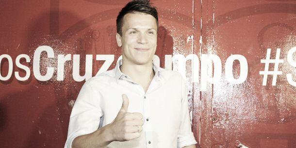 Konoplyanka ficha por el Sevilla FC