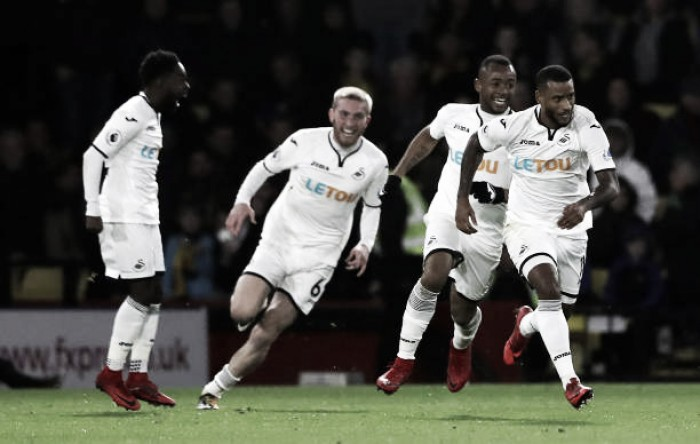Swansea vira diante do Watford fora de casa e sai da última posição na Premier League