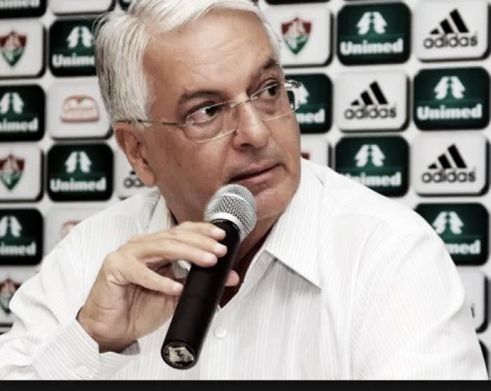 Ministério Público abre inquérito contra Celso Barros