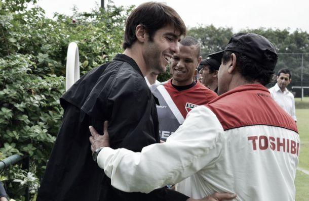 Muricy abre as portas para Kaká e brinca: ''Impossível entrar em campo com apenas onze jogadores''